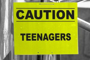 2006-09-10 - United Kingdom - England - London - Trafalgar Square - Sign - Cutout - Yellow - Caution Teenagers