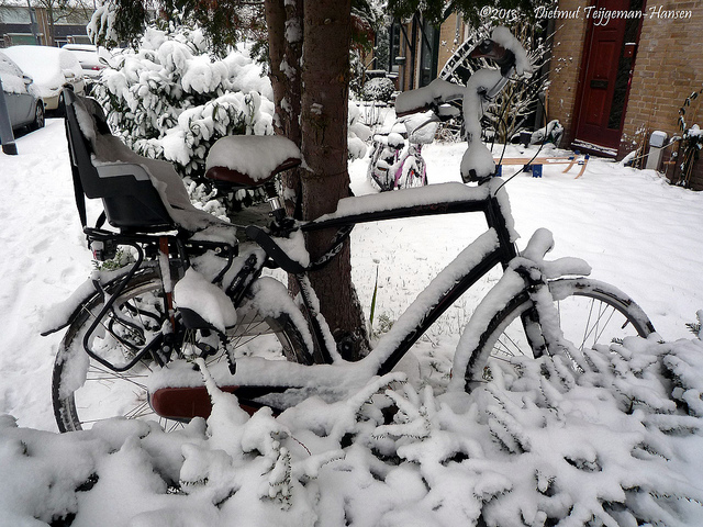 bicycle in snow...maybe not this weekend